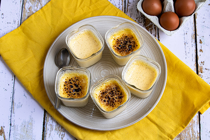 crèmes brûlées au romarin