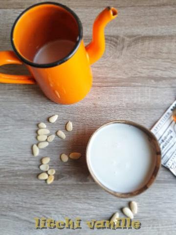 Cette recette très facile, et rapide vous permettra de contrôler vous-même vos ingrédients et de réaliser un lait d'amandes sain et savoureux.